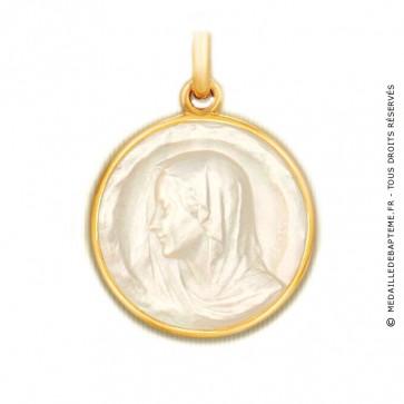 Médaille Regina en nacre - medaillle bapteme Becker